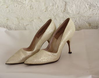 Vintage Champagne Stiletto Pumps / 1950s Sparkly High Heels / Vintage Joseph Magnin High Heels / 1950s Stiletto Heels 8 VERY Narrow