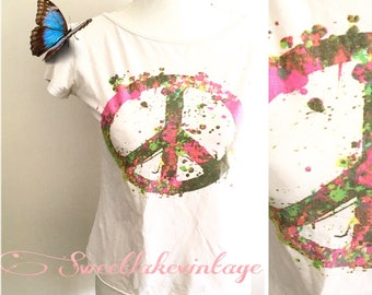 Peace t-shirt- rainbow hippie clothing- paint spot shirt