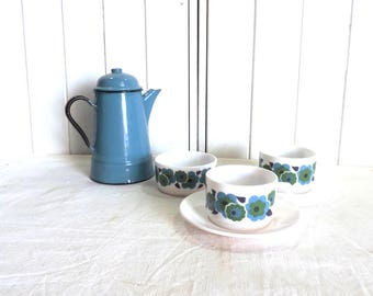 Arcopal 'Lotus' breakfast set of 2 large coffee cups and saucers, hot chocolate cafe aux lait cups, and a sugar bowl