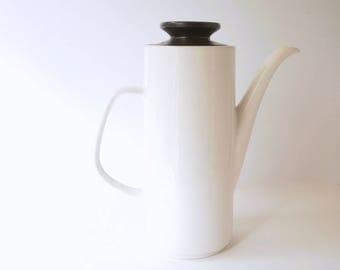 Vintage Coffee Pot J&G Meakin Studio, 1960s black and white.