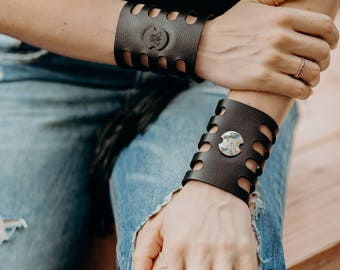 Leather Cuff Bracelet with Metal Stud, Women's Leather Cuff Bracelet, Leather Bracelet, Cuff Bracelet