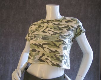 Cropped Camouflage Print Tee Shirt