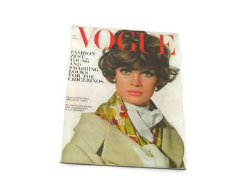 Vintage Vogue Magazine * August 1 1964 * Fashion Zest * Young and Smashing Looks for the Chicerinos