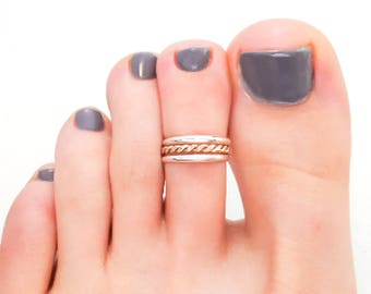 Twist Toe Ring in Sterling Silver and 14K Gold-Filled, Twisted Toe Ring, Summer Toe Ring, Mixed Metals Toe Ring, Adjustable Toe Ring