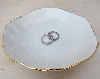 Gold rim porcelain ceramic ring bowl. White ceramic bowl with gold detail and lace imprint. Wedding or Engagement gift. Gold ring dish.