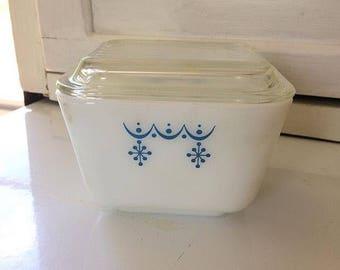 Vintage Pyrex 501 Snowflake Garland