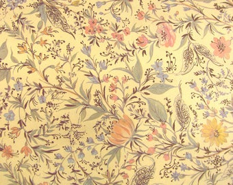 Primavera - Florentine wrapping paper with delicate Golden printing