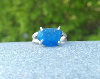 Blue sea glass & sterling silver ring// Size 6