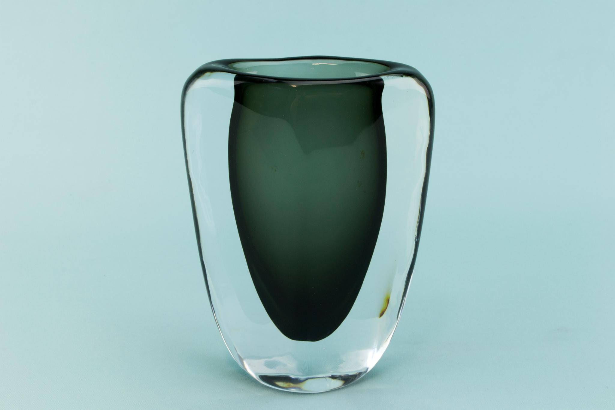 Small orrefors nils landberg glass vase smoky grey 1950s swedish small orrefors nils landberg glass vase smoky grey 1950s swedish mid century modern reviewsmspy
