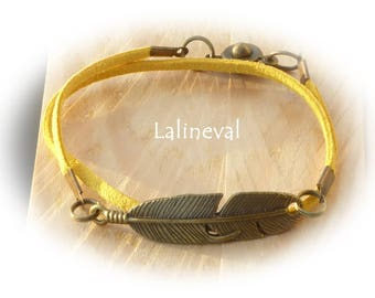 Bracelet doubles tour, feather and yellow suede