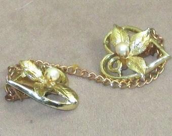 Sweater Clip heart shape clips faux pearl in flower