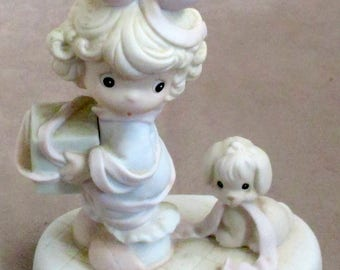 Precious Moments figurine Tied Up For The Holidays 1993