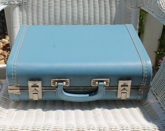 Suitcase / Luggage /  in Textured Blue