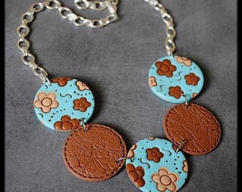Necklace brown cream and blue polymer flowers pattern