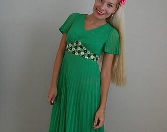 20% OFF SALE... 1970s bohemian embroidered dress   bohemian maxi dress