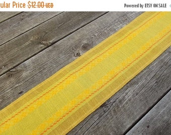 Summer sale Swedish Vintage  Woven Linen Table Runner. Swedish Vintage from 1970'.