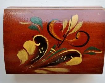 Swedish Folk Art Wood Box Hand Carved Kurbits