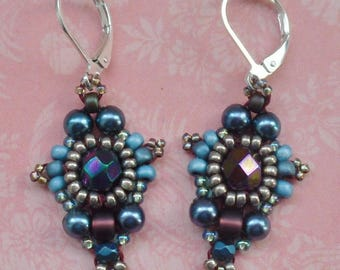 Retro earrings blue, plum and old money