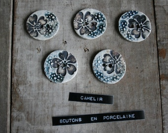 # 009 set of 5 porcelain buttons