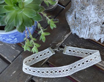Geometric Lace Chocker Necklace