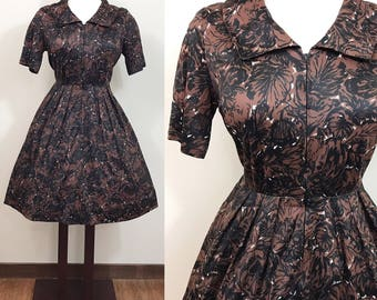 1950s Vintage Dress / Cold Rayon Jersey / Vintage 50s Dress / Floral print / VOLUP