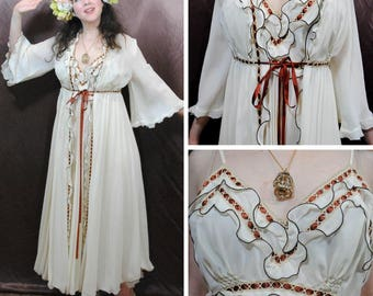 Renaissance Nightgown and Matching Robe
