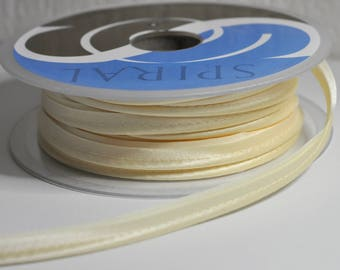 Ribbon satin piping Pale yellow 10 mm wide sold by 50cm
