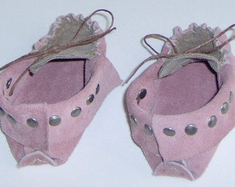 Pink & Brown Leather Baby Moccasins,Hand Crafted First infant Moccasins Suede Leather Hand-cut and Sewn with Studs