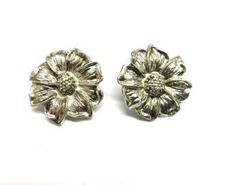 Vintage flower silver plated clip on earrings