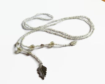 Seed bead lariat with leafs, white beaded Y-necklace, bohemian lariat, beach jewelry