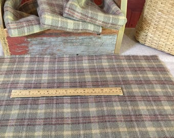 Grumpy Old Man, a vintage look green plaid,  Mill Dyed Wool Fabric for Rug Hooking, Applique, Penny Rugs, Fiber Arts, Fat Quarter Yard W288