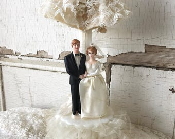 1950's Retro Wedding Cake Topper Vintage Bride Groom Lily Of The Valley Lace Tulle Anniversary Party The Farmer's Belle