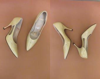 1960s buttercup yellow pumps | 50's 60's mid century high heels