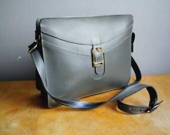 Grey 80s purse / grey cinrage handbag / boxy grey purse / 80s faux leather bag /  gray purse / boho 80s bag / small handbag /