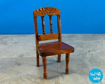Miniature Wood Traditional Accent Chair - Doll House Furniture Early American