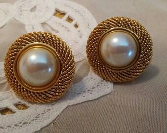 Vintage CAROLEE Faux Pearl Clip On Earrings
