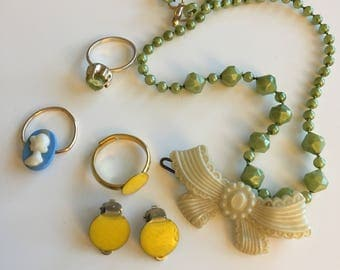 A selection of genuine vintage children's jewellery