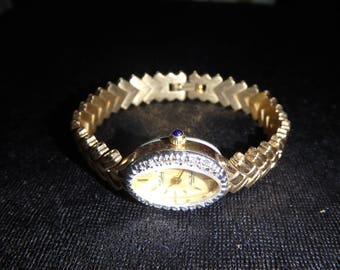 Lovely Vintage Ladies Lucien Piccard Watch DUFONTE Diamond & Gold Tone Watch small wrist