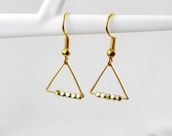 String of pearls - gold plated earrings - earrings - geometric earrings - A21 round discreet earrings - earrings - earrings - minimalist