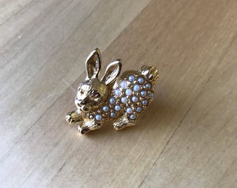 Bunny Rabbit Brooch Pin by Avon Gold Tone