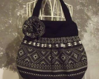 Saca handmade artisanal French ball Indian black and white