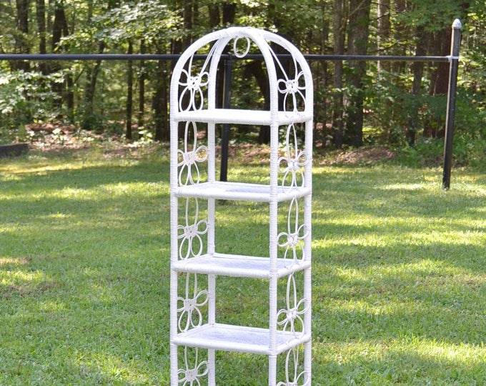 Vintage White Wicker Shelf Unit Etagere 5 Shelves Retro Bohemian Cottage Decor Flower Design Painted Furniture Panchosporch