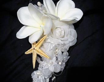 PLUMERIA Bridal clip, Tropical Headpiece, Hair Flowers, Bridal Hair clip, silk hair flower, Hawaiian flower, Beach wedding, Hair Accessory