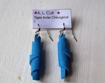 Boucles d'oreilles CUIR BLEU GLACIER    Bijou Créateur Artisan France