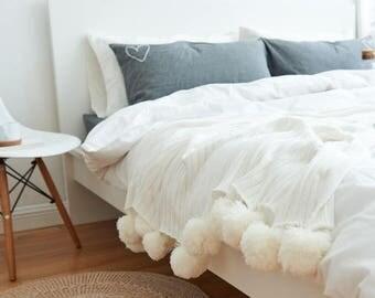 White KnittedPOM POMBlanket X LARGE