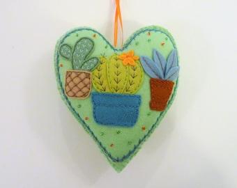 Cactus Ornament, Felt Cactus, Felt Heart Ornament, Doorknob Hanger, Doorknob Pillow, Desert Decoration, Southwest Decor, Felt Potted Plants
