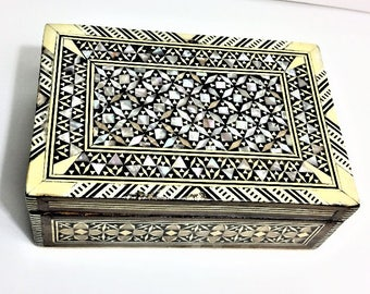 Vintage Egyptian fINE Wood Hand Made Small Jewelry Box Inlaid