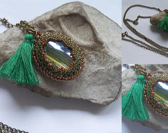 Woven green and bronze necklace