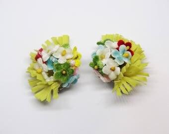 1950s Yellow Plastic Flower Bouquet Clip On Earrings