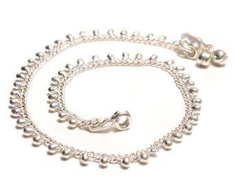 Tender anklets with beads bells on the closure
